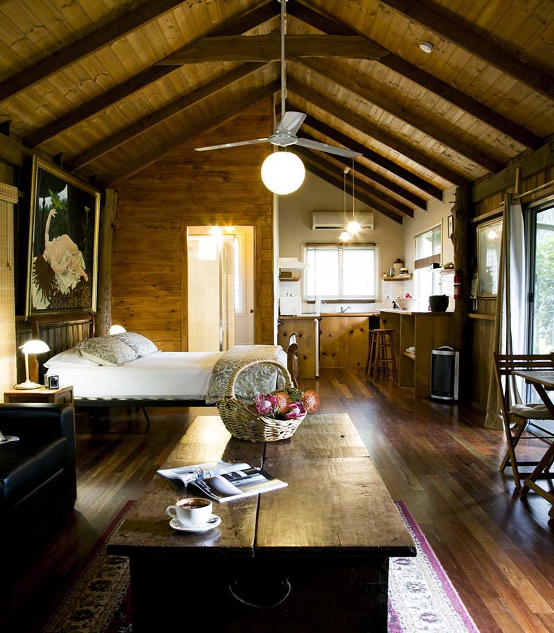 Log cabin mavis 39 s kitchen for Self contained cabin